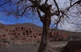 روستای تاریخی گیسک با بازارهای زیر زمینی