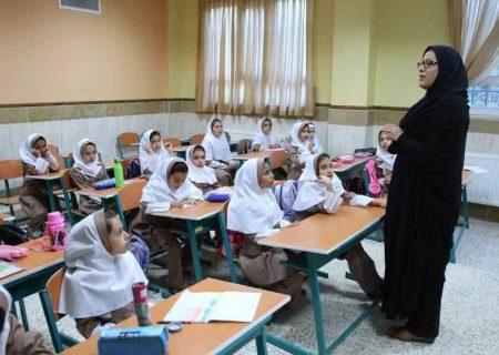 آغاز واکسیناسیون معلمان و دانشآموزان از مرداد